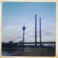 Düsseldorfer Rheinkniebrücke