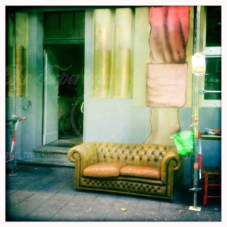 Das Sofa am ende der Straße